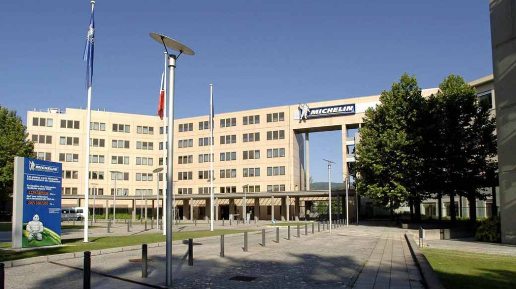 michelin-achieved-sales-ratio-of-12-2-in-the-fourth-quarter-results-2015-20160224-14