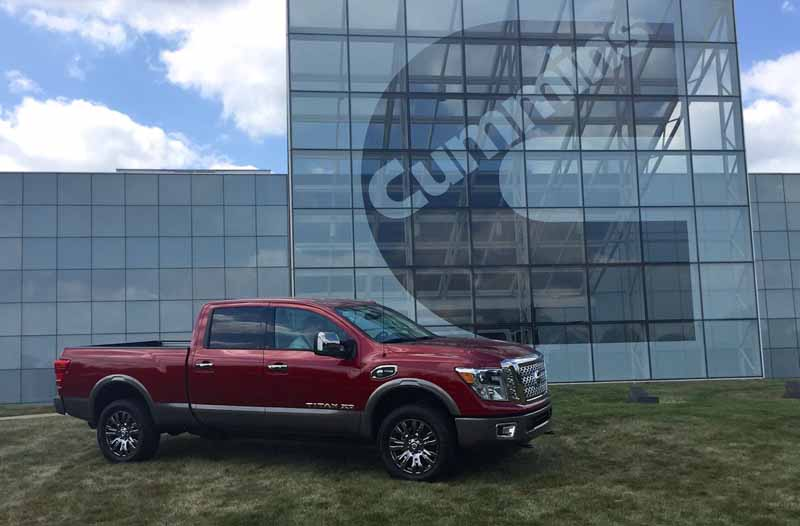 nissan-titan-xd-won-best-pickup-truck-2016-in-the-north-american-auto-show20160216-8