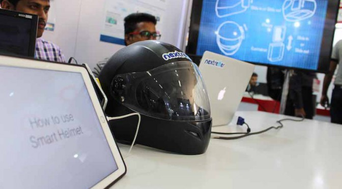 of-japan-nextremer-announced-the-helmet-of-artificial-intelligence-dialogue-engine-in-india20160221-4