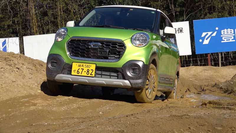 publish-the-off-road-running-power-of-the-daihatsu-cast-activa-4wd-at-movie20160223-3