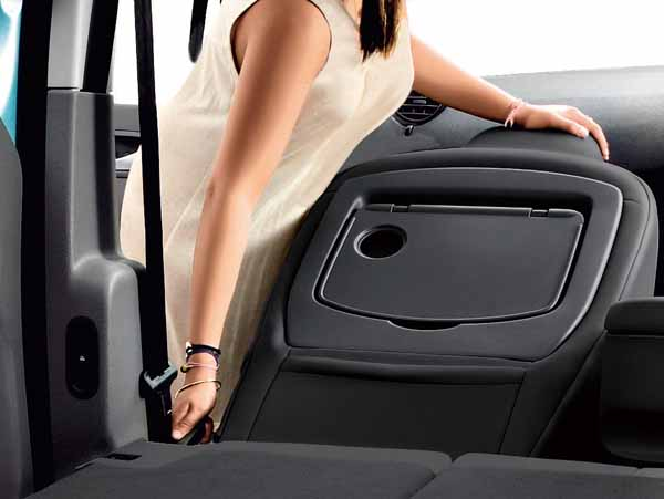 renault-japon-launched-the-renault-kangoo-zen-6mt-of-additional-equipment-such-as-retractable-passenger-seat20160219-6