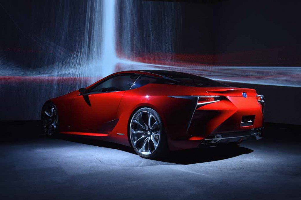 representation-and-exhibition-of-driving-and-design-technology-art-of-lexus20160229-2