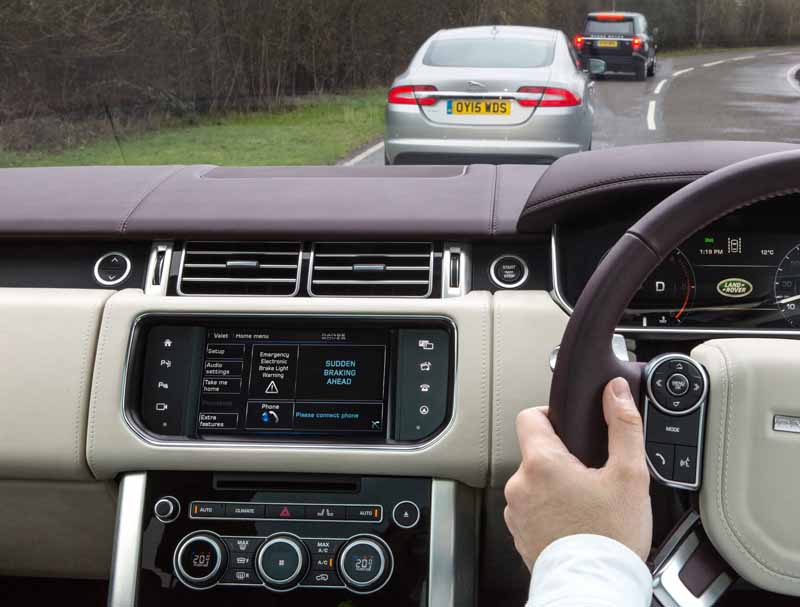 start-a-public-road-test-with-the-aim-jaguar-land-rover-the-uks-first-automatic-operation-car-development20160214-5