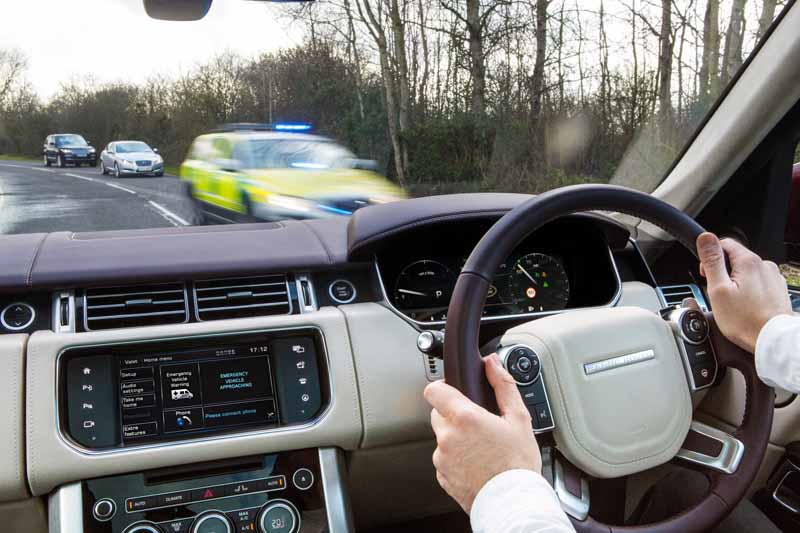 start-a-public-road-test-with-the-aim-jaguar-land-rover-the-uks-first-automatic-operation-car-development20160214-6