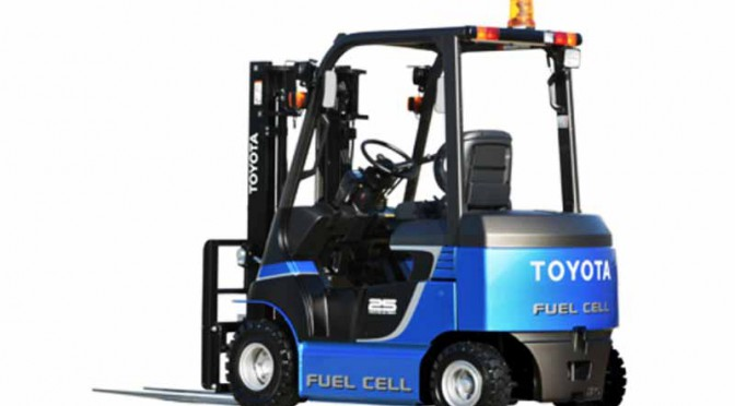 豊田自動織機、燃料電池フォークリフトの実用化モデルを関西国際空港にて実証開始