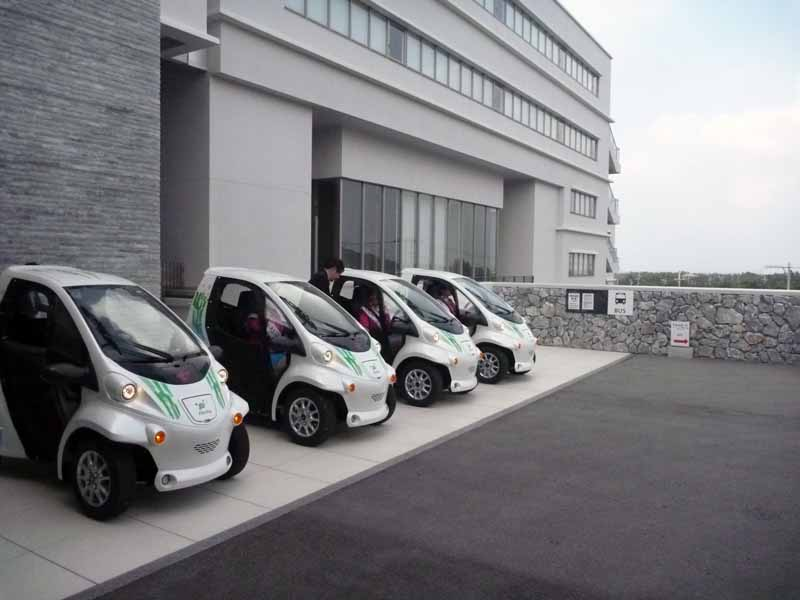 toyota-demonstrated-the-start-of-the-sharing-service-by-the-small-mobility-in-okinawa-prefecture-headquarters-peninsula20160209-6