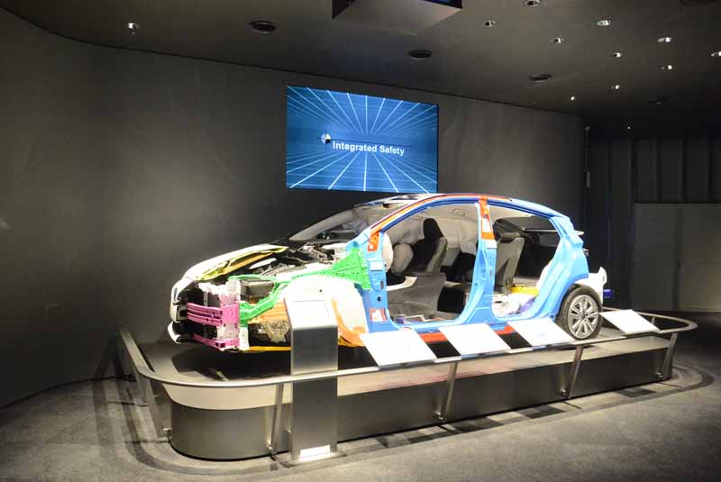 toyota-kaikan-exhibition-hall-and-renewed-environmental-technology-and-safety-technology-corner-published-from-february-29-20160226-4