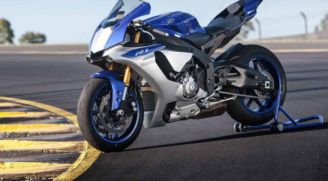 yamaha-motor-yzf-r1-and-the-rev-translator-3-years-in-a-row-won-the-if-design-award20160207-1