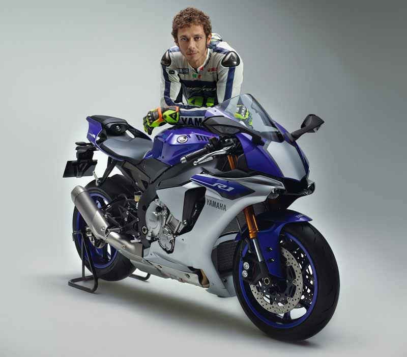 yamaha-motor-yzf-r1-and-the-rev-translator-3-years-in-a-row-won-the-if-design-award20160207-2