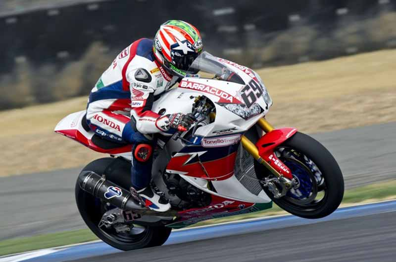 superbike-world-championship-the-second-leg-tie-the-podium-is-v-·-d-·-mark-of-nissin-user20160321-2