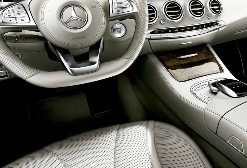 mercedes-benz-japan-add-s400-4matic-coupe-of-the-v6-·-3l-twin-turbo20160301-6