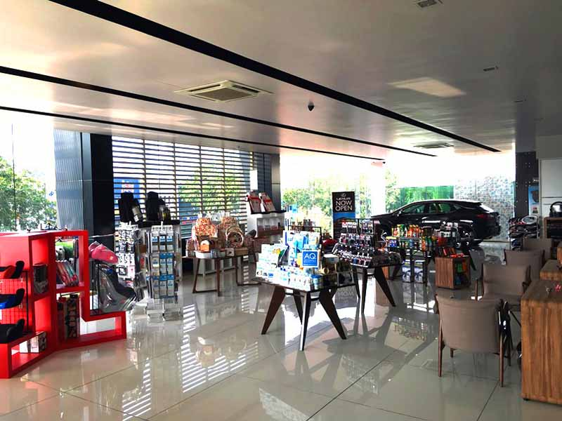 autobacs-malaysia-pelangi-store-newly-opened-the-country-five-stores-th20160328-3