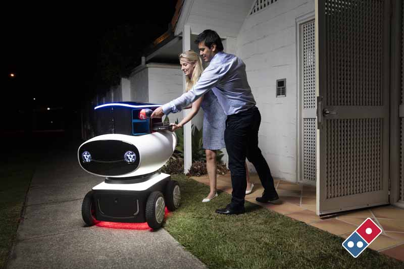 dominos-pizza-enterprise-announced-the-worlds-first-commercial-automatic-operation-delivery-robot20160320-12