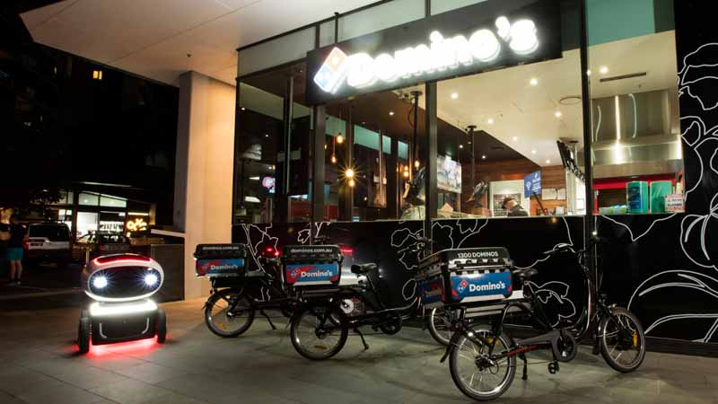 dominos-pizza-enterprise-announced-the-worlds-first-commercial-automatic-operation-delivery-robot20160320-9