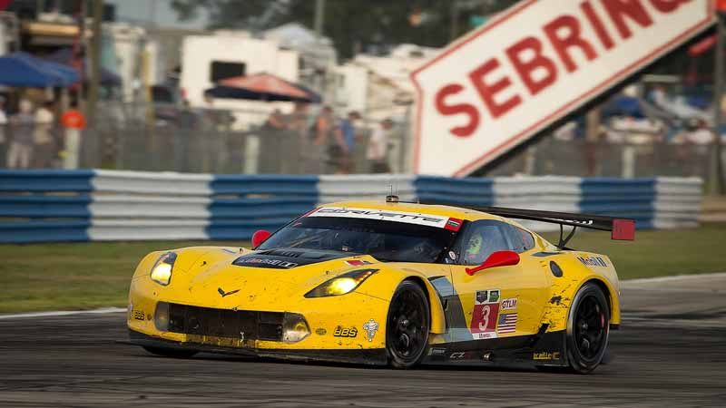 english-wscc-2-round-eyes-continued-even-decorate-a-class-victory-in-the-chevrolet-corvette-c7-r-opener20160322-1