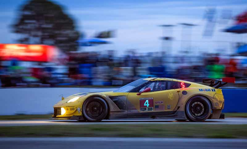 english-wscc-2-round-eyes-continued-even-decorate-a-class-victory-in-the-chevrolet-corvette-c7-r-opener20160322-2