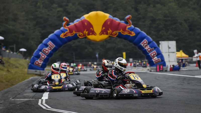 finals-of-the-worlds-fastest-amateur-cart-racer-red-bull-kart-fight2016-held20160323-10