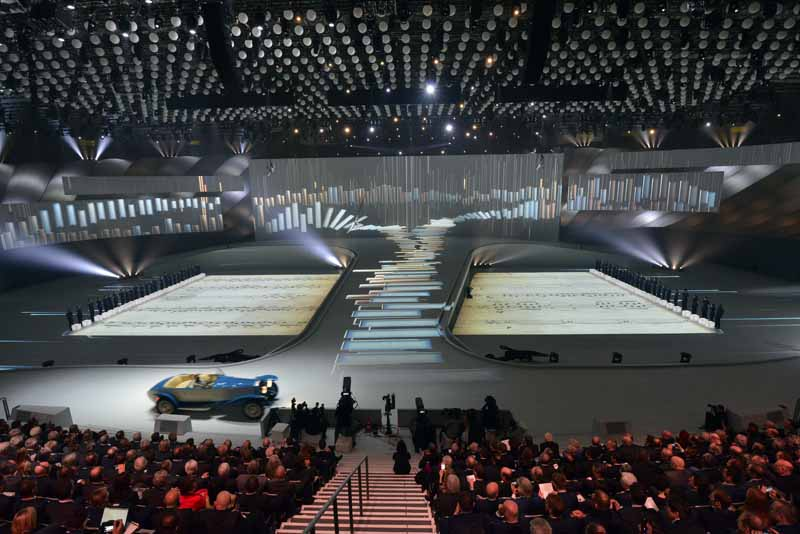 held-a-100th-anniversary-ceremony-in-germany-of-the-bmw-march-720160309-10