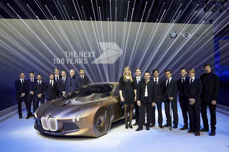 held-a-100th-anniversary-ceremony-in-germany-of-the-bmw-march-720160309-14