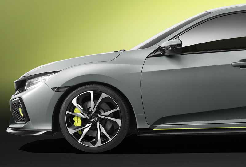 honda-the-worlds-first-showing-off-the-new-civic-hatchback-prototype-model20160303-18