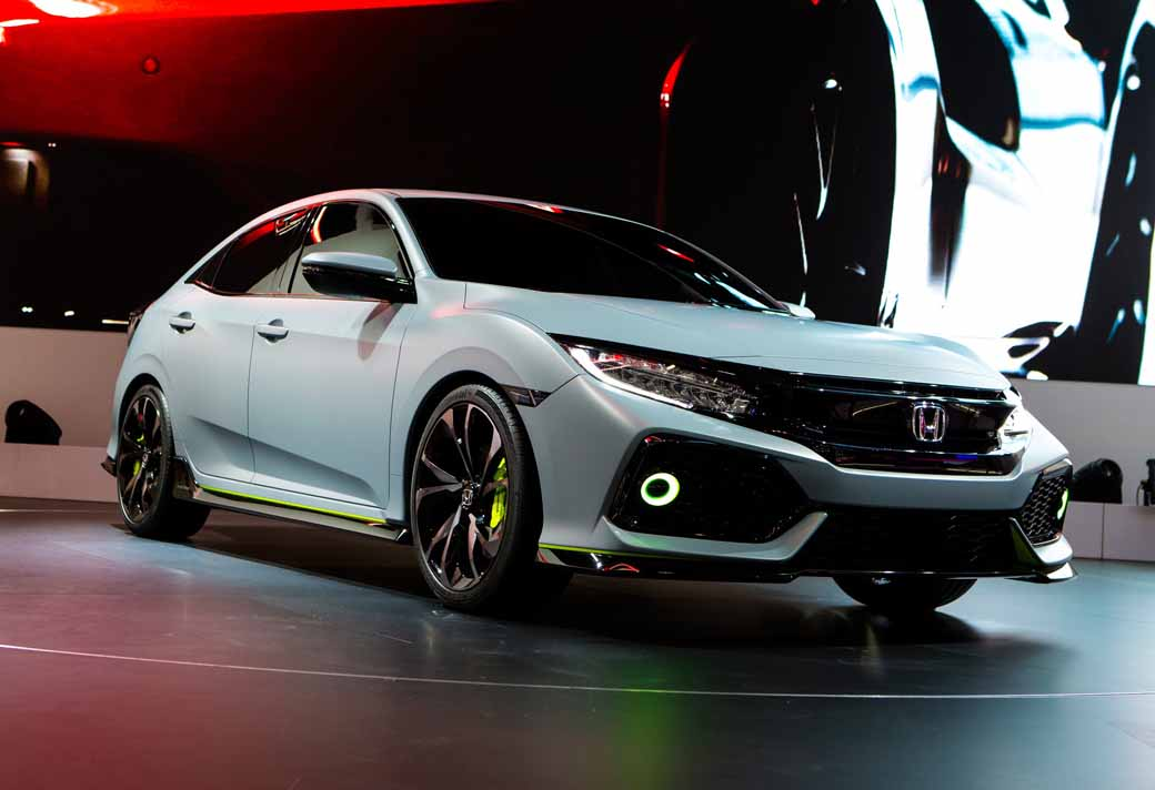 honda-the-worlds-first-showing-off-the-new-civic-hatchback-prototype-model20160303-21