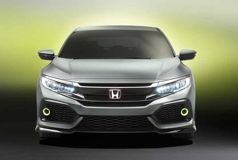 honda-the-worlds-first-showing-off-the-new-civic-hatchback-prototype-model20160303-5