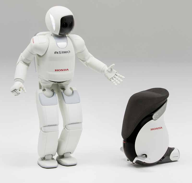 hondas-asimo-hospitality-and-foreign-visitors-at-the-narita-international-airport-immigration-before-area20160322-2