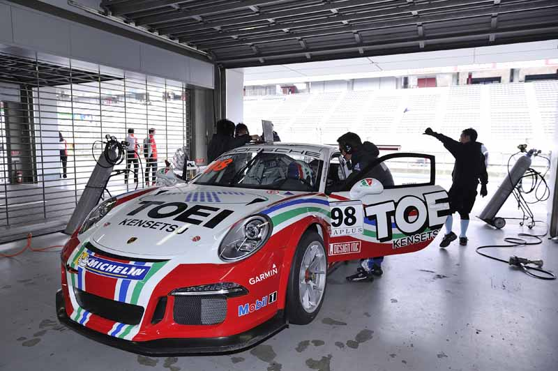 implement-the-porsche-japan-carrera-cup-japan-2016-joint-test20160328-6