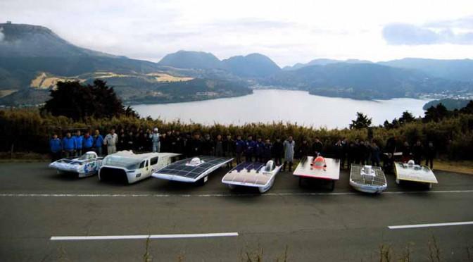 神奈川県の環境プロジェクト、ソーラーレースカーが箱根を快走