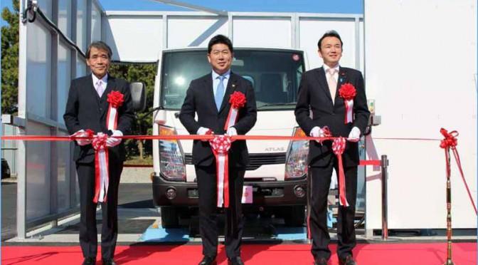 川崎市とJEF、日本初の廃棄物発電を活用した「ごみ収集車両」による実証試験を開始