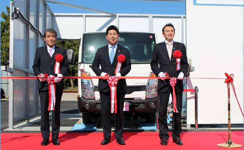 kawasaki-city-and-jef-start-the-demonstration-test-by-utilizing-japans-first-waste-power-generation-refuse-collection-vehicle20160328-2