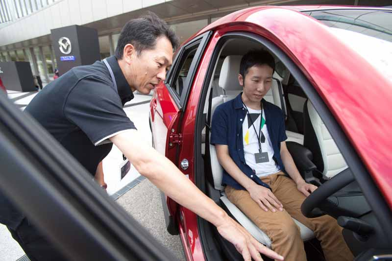 mazda-held-a-developer-lectures-and-test-rides-of-the-vehicle-all-the-exhibition-to20160303-1