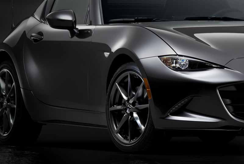 mazda-the-worlds-first-showcase-electric-hardtop-fastback-car-mx-5-rf20160323-27