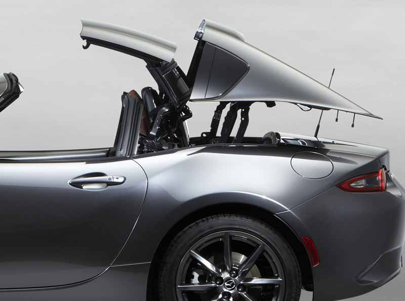 mazda-the-worlds-first-showcase-electric-hardtop-fastback-car-mx-5-rf20160323-28