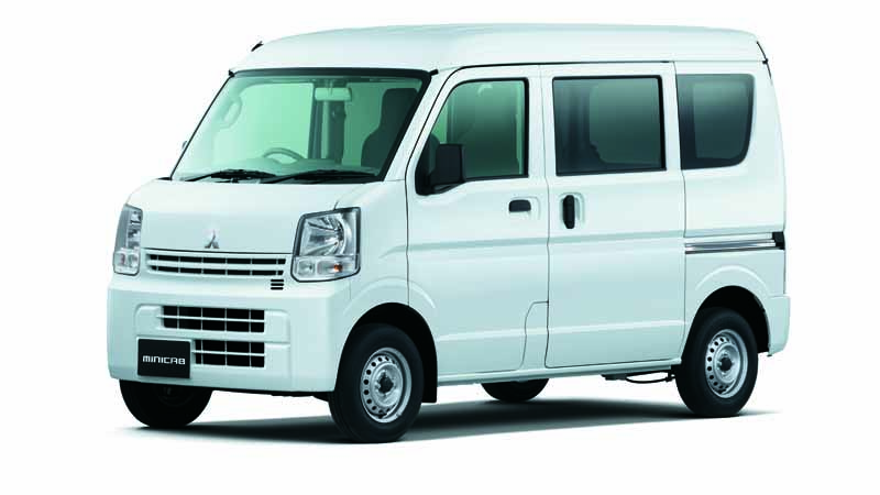 mitsubishi-motors-improved-some-light-commercial-vehicles-minicab-van-2-speed-take-off-mode-added-to-the-5amt-car20160317-1