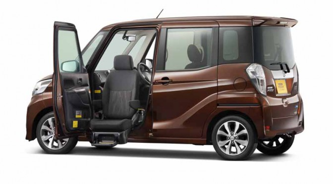 nissan-and-autech-exhibited-the-welfare-vehicle-6-units-in-barrier-free-201620160330-1