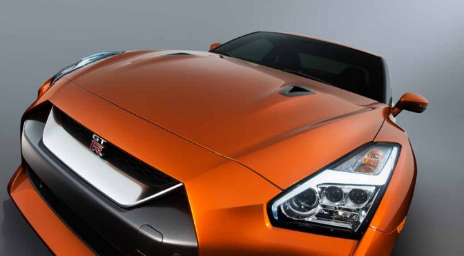 nissan-motor-co-unveiled-the-nissan-gt-r-2017-model-year-in-the-ny-international-auto-show20160324-9