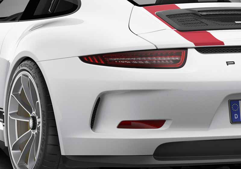 porsche-911r-naturally-aspirated-6-speed-mt-geneva-show-debut20160301-12
