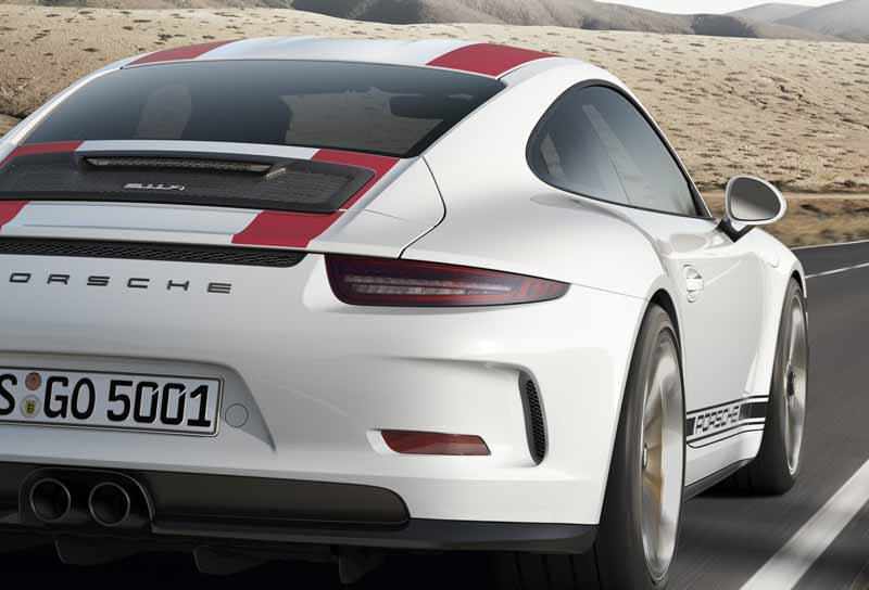 porsche-911r-naturally-aspirated-6-speed-mt-geneva-show-debut20160301-17
