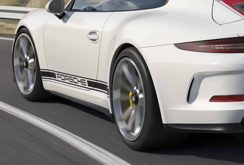 porsche-911r-naturally-aspirated-6-speed-mt-geneva-show-debut20160301-18