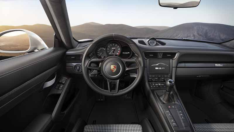 porsche-911r-naturally-aspirated-6-speed-mt-geneva-show-debut20160301-5
