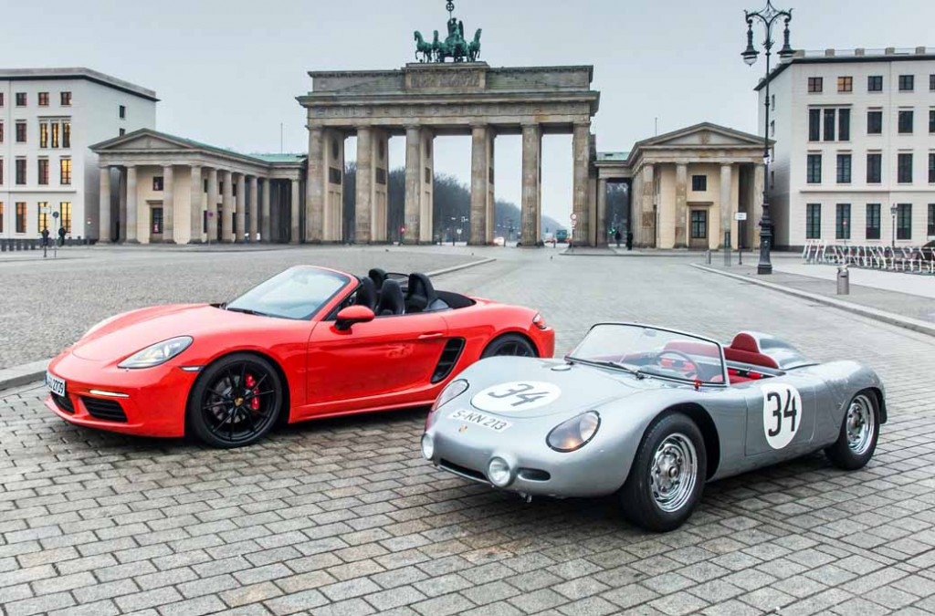 porsche-implement-the-exhibition-events-including-the-german-debut-of-the-new-718-boxster-in-berlin20160318-3