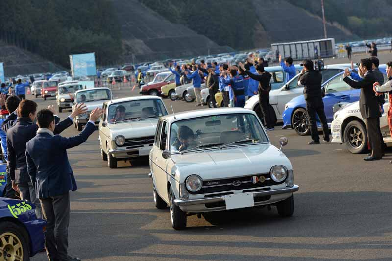 subaru-held-the-official-fan-meeting-that-becomes-a-history-over-the-first-of-fuji-heavy-industries-finish-successfully20160328-9