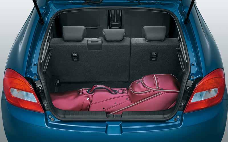 suzuki-launched-the-new-compact-car-bareno20160309-72