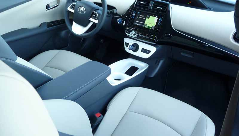 teijin-to-soundproofing-material-that-was-developed-from-the-high-end-non-woven-fabric-prius-adopted20160306-3