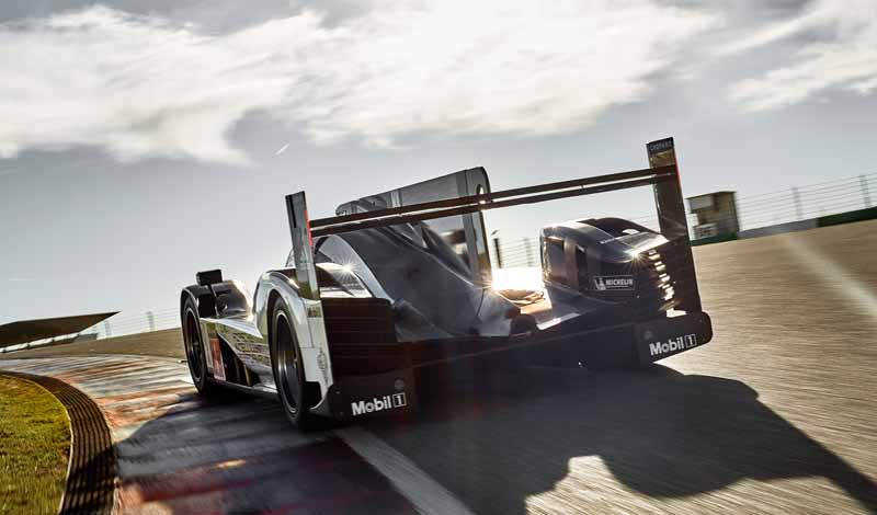 the-new-porsche-919-hybrid-that-aims-to-title-defense-debuted-in-france-and-official-test20160325-1