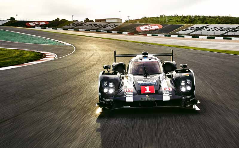the-new-porsche-919-hybrid-that-aims-to-title-defense-debuted-in-france-and-official-test20160325-9