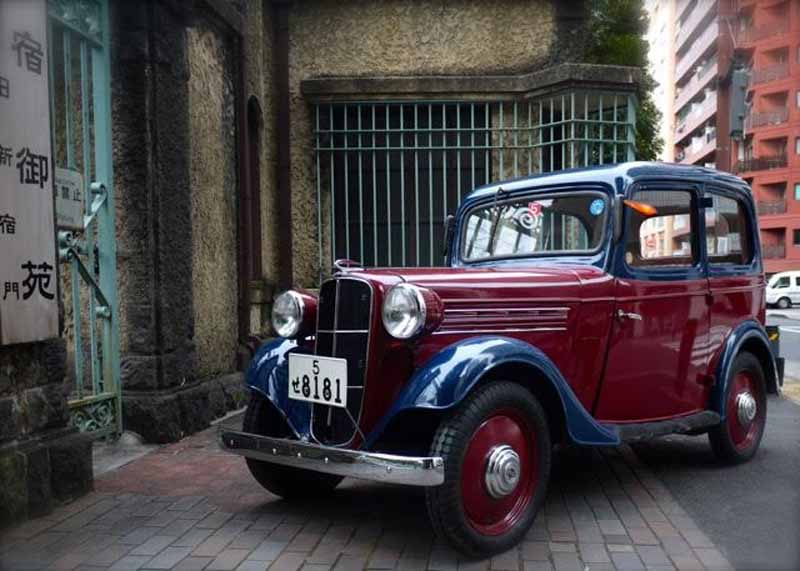 tokyo-car-shop-the-yahoo-auction-exhibited-datsun-type-16-sedan-for-the-sheet-metal-craftsman-training-funds-squeeze20160304-1