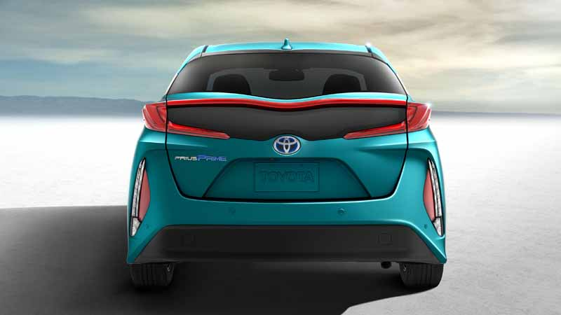 toyota-exhibited-the-new-prius-phv-us-brand-name-prius-prime-to-ny-auto-show20160323-12