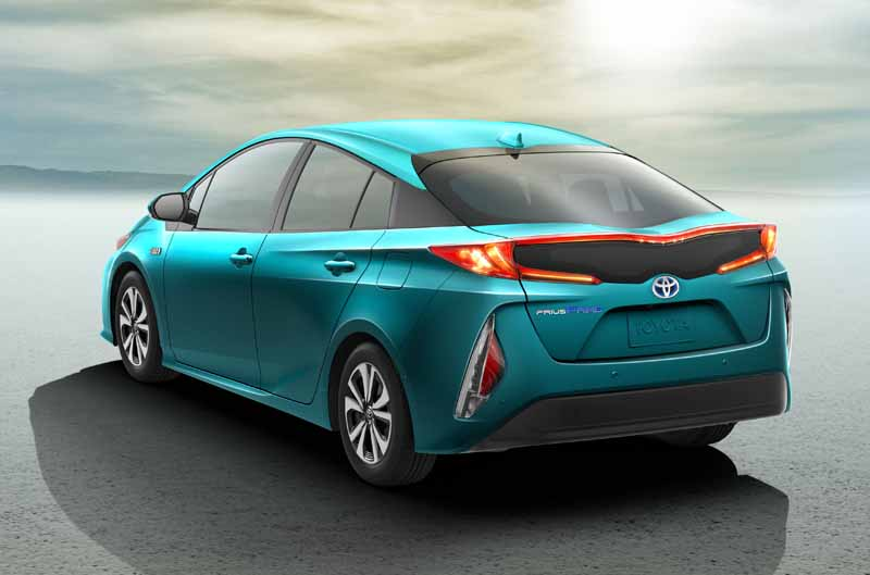 toyota-exhibited-the-new-prius-phv-us-brand-name-prius-prime-to-ny-auto-show20160323-3